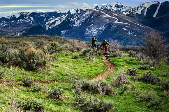 Two mountain bikers in Park City, UT